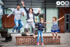 Lifestyle famille par photographe Laurent Bossaert studio Pictures of You - Nord Pas de Calais - Julie-Sébastien-Timoté-Soline-11