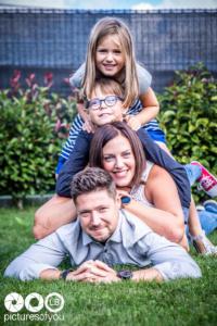 Lifestyle famille par photographe Laurent Bossaert studio Pictures of You - Nord Pas de Calais - Julie-Sébastien-Timoté-Soline-31