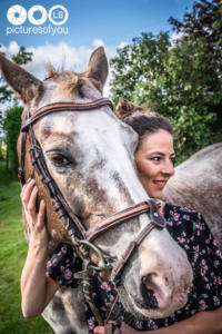 Clotilde et ses chevaux - Photos lifestyle par Laurent Bossaert - Pictures of You-2