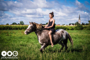 Clotilde et ses chevaux - Photos lifestyle par Laurent Bossaert - Pictures of You-24