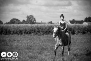 Clotilde et ses chevaux - Photos lifestyle par Laurent Bossaert - Pictures of You-25
